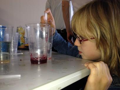 Kirsten bij dag vd chemie