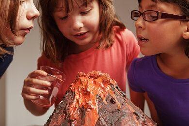 kinderen-met-vulkaan-nieuwsbrief